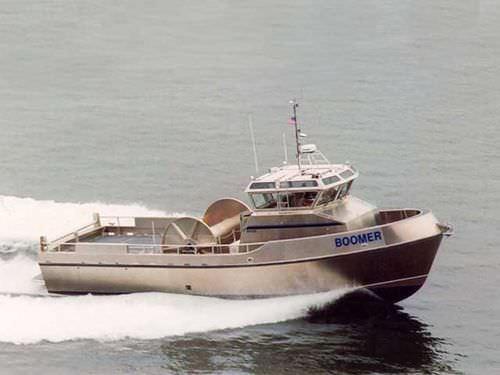 流出油回収船 / 船内 / アルミ製