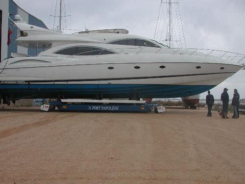 大型ハンドリングトレーラー / 造船所用 / 自走式