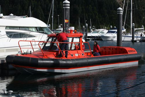 潜水サポート船 / 船内 / アルミ製