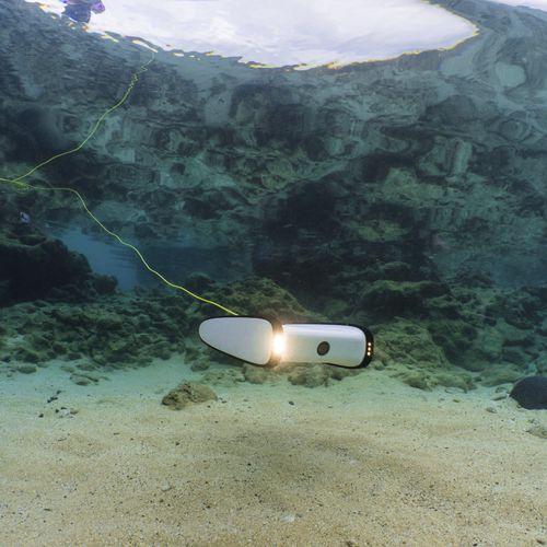 写真撮影用海中無人操縦機