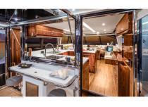 Riviera 68 Sports Motor Yacht - 14