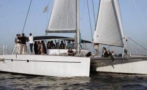 Barcos de turismo e barcos de lazer