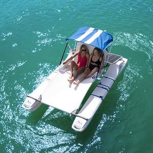 bote catamarã