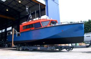 barco profissional barco salva-vidas / com motor de centro / em alumínio
