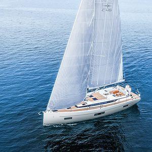veleiro de cruzeiro / de popa aberta / 4 cabines / 5 camas