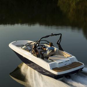 lancha de proa aberta com motor de centro / com console dupla / bowrider / para esqui aquático