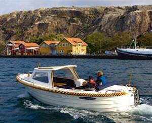lancha Cabin Cruiser com motor de centro / open / fluvial / clássica