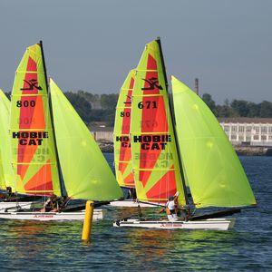 catamarã esportivo de regata / para escola / múltiplo / spinnaker assimétrico