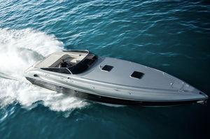 lancha Express Cruiser com motor de centro / trimotor / open / offshore