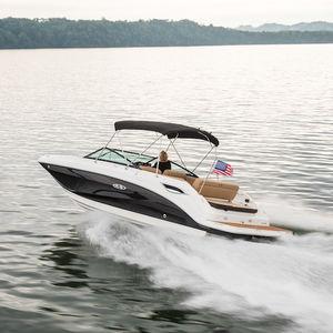 deck-boat com motor de centro / com console dupla / de wakeboard / para esqui aquático