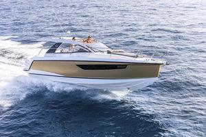 lancha Express Cruiser com motor de popa / bimotor / open / soft-top
