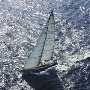 iate à vela de cruzeiro / de regata / de popa aberta / 3 cabines