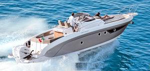 lancha Express Cruiser com motor de popa / bimotor / open / com console central