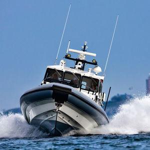 barco inflável com hidrojato / semirrígido / com cockpit fechado / bote auxiliar para iate