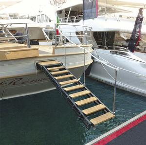 escada para barco