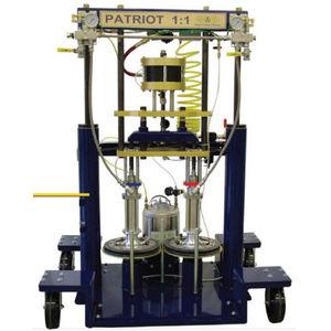 máquina de projeção de adesivo