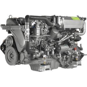 motor de centro-rabeta / para embarcação de recreio / a diesel / de injeção direta