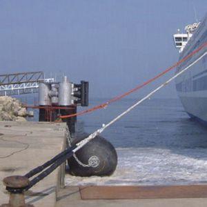 defensa para porto / para terminal portuário / para navio / para cais