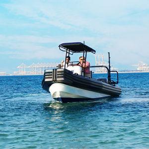 barco de trabalho / com motor de popa / barco inflável