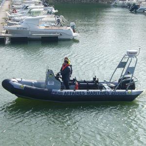 barco profissional barco-patrulha / com motor de popa / barco inflável semirrígido