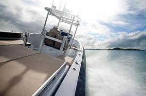 barco inflável com motor de centro / semirrígido / com console central / de mergulho