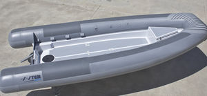 barco profissional barco militar / barco-patrulha / barco de trabalho / barco de passageiros