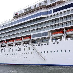 passarela para navio de cruzeiro / telescópica / com corrimão