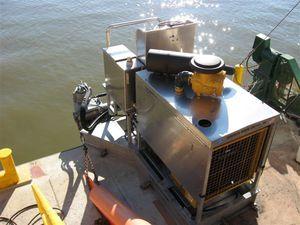 sistema de propulsão para barcaça / a instalar em convés / com motor hidráulico