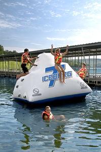 equipamento de diversão aquática escorregador / parede de escalada / inflável