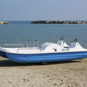 barco a pedais de 2 lugares