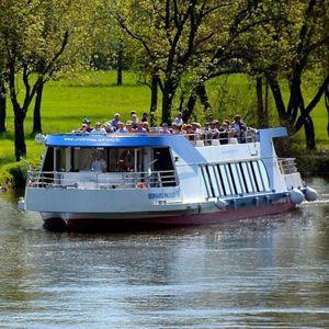 barco profissional barco de passeio / elétrico a energia solar / com zero emissões