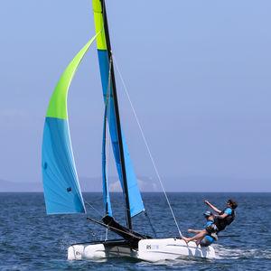 catamarã esportivo de lazer / para escola / múltiplo / com dois trapézios