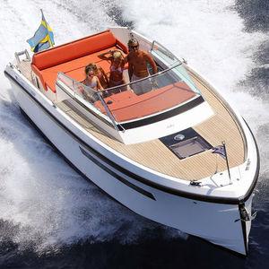 lancha Express Cruiser com motor de centro / bimotor / open / de cruzeiro