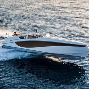 lancha Express Cruiser com motor de centro / bimotor / com casco escalonado / open