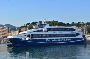 ferry de passageiros catamarã
