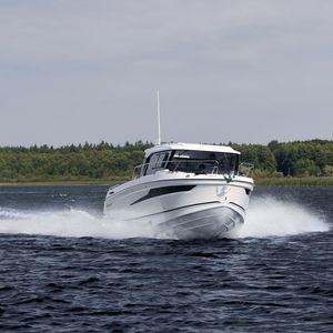 lancha Cabin Cruiser com motor de popa / com casa do leme / para convés em teca