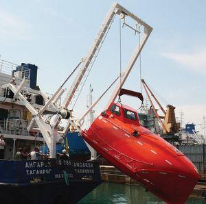 turco para bote salva-vidas lançado por queda livre
