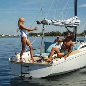 veleiro de cruzeiro rápido / de cruzeiro costeiro / de charter / de cruzeiro e regata