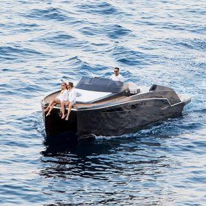 lancha Cabin Cruiser catamarã