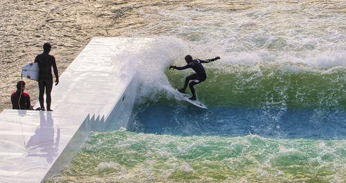 piscina de ondas flutuante