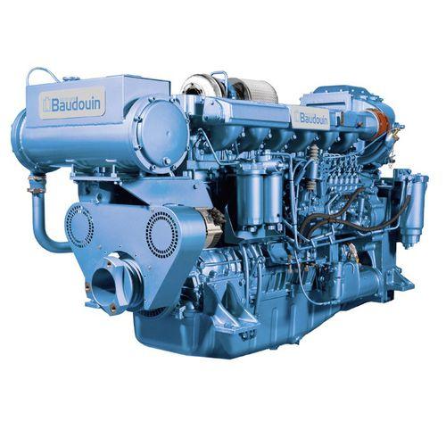 motor de centro / para barco profissional / a diesel / de injeção direta