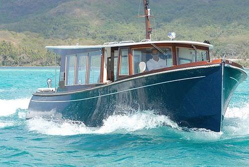 barco profissional táxi aquático