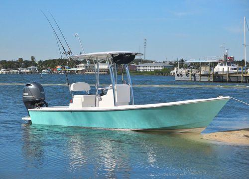 bay boat com motor de popa / com flybridge / com console central / de pesca esportiva