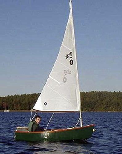 bote de windsurf tradicional / de popa aberta