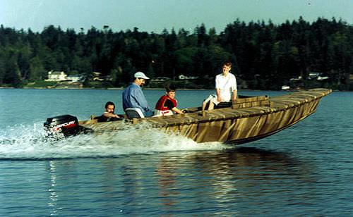 bay boat com motor de popa / com console lateral / de pesca esportiva