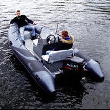 barco inflável com motor de popa / semirrígido / com console central / máx. 10 pessoas