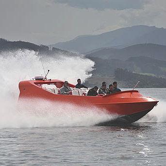 barco de passeio / com motor de centro hidrojato