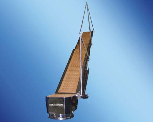 passarela para iate / para barco / pivotante / hidráulica