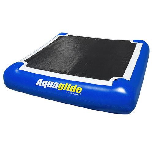 equipamento de diversão aquática plataforma