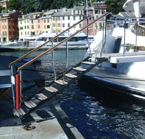 escada para iate / lateral / de embarque / manual